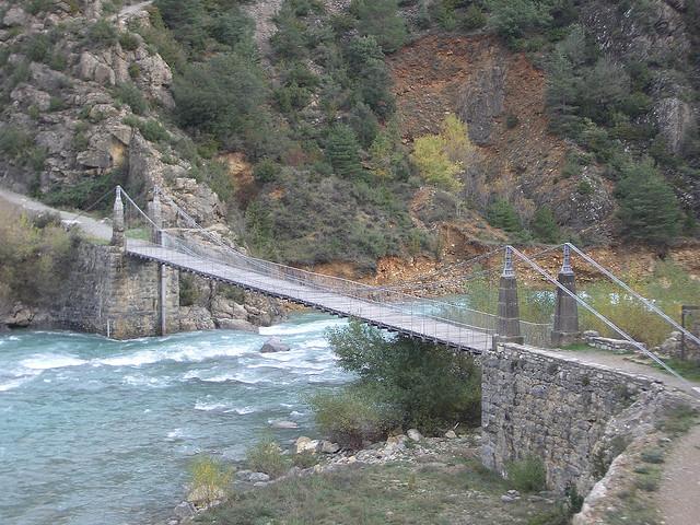 Bridge at Jánovas From Flickr by birasuegi: https://www.flickr.com/photos/irotzabal/290841288/